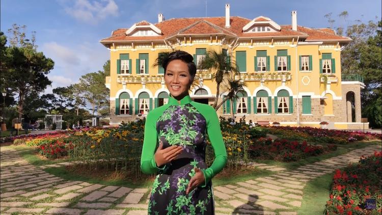 Hãy cùng H'Hen Niê bình chọn cho đại diện Việt Nam nhé!