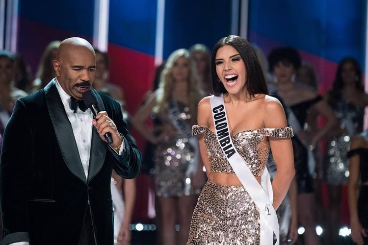 Danh hiệu á hậu 1 thuộc về đại diện Colombia Laura González Ospina. Cô sở hữu vẻ đẹp ngọt ngào quyến rũ với hình thể được đánh giá đẹp nhất cuộc thi.