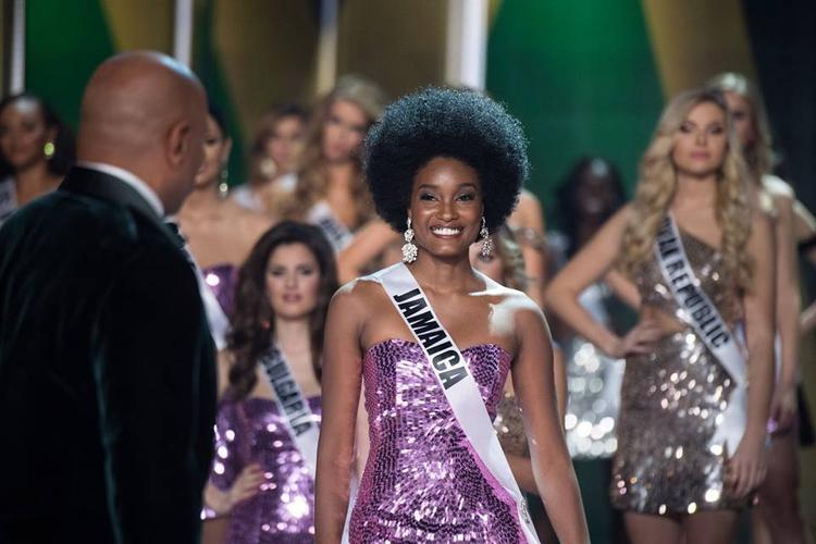 Danh hiệu á hậu 2 thuộc về người đẹp Jamaica Davina Bennett, 21 tuổi, cô đang theo đuổi bằng thạc sỹ về tiếp thị tại trường Đại học West Indies. Cô là thí sinh da màu với mái tóc xoăn nổi bật. Đại diện Việt Nam là Nguyễn Thị Loan không có tên trong top 16 người đẹp nhất. Ngoài ra giải quốc phục đẹp nhất đã thuộc về đại diện đến từ Nhật Bản.