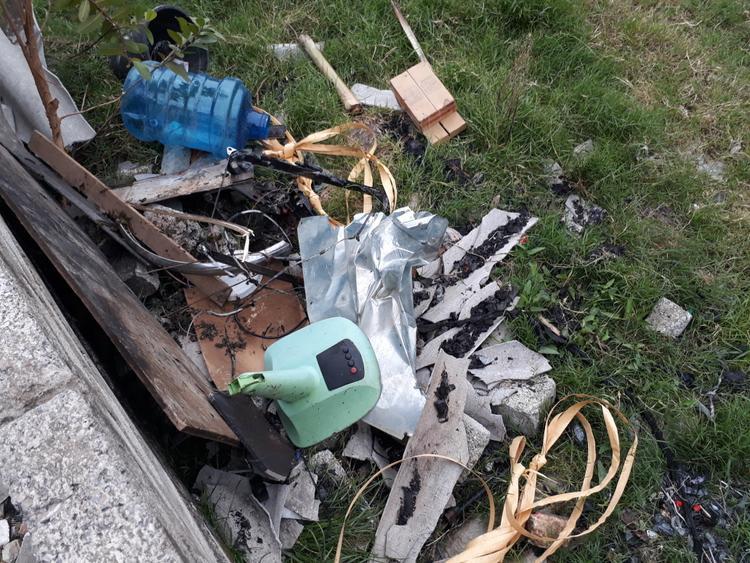 Mọi tài sản trong nhà bị thiêu rụi hoàn toàn sau vụ cháy.