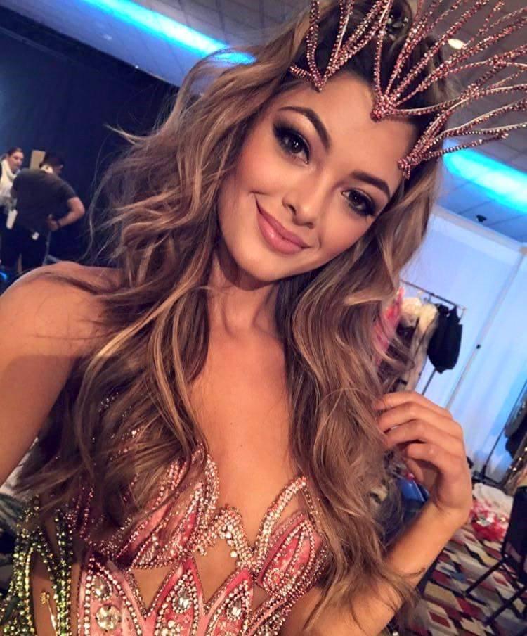 …và nhiều phần thi phụ tại Miss Universe 2017.