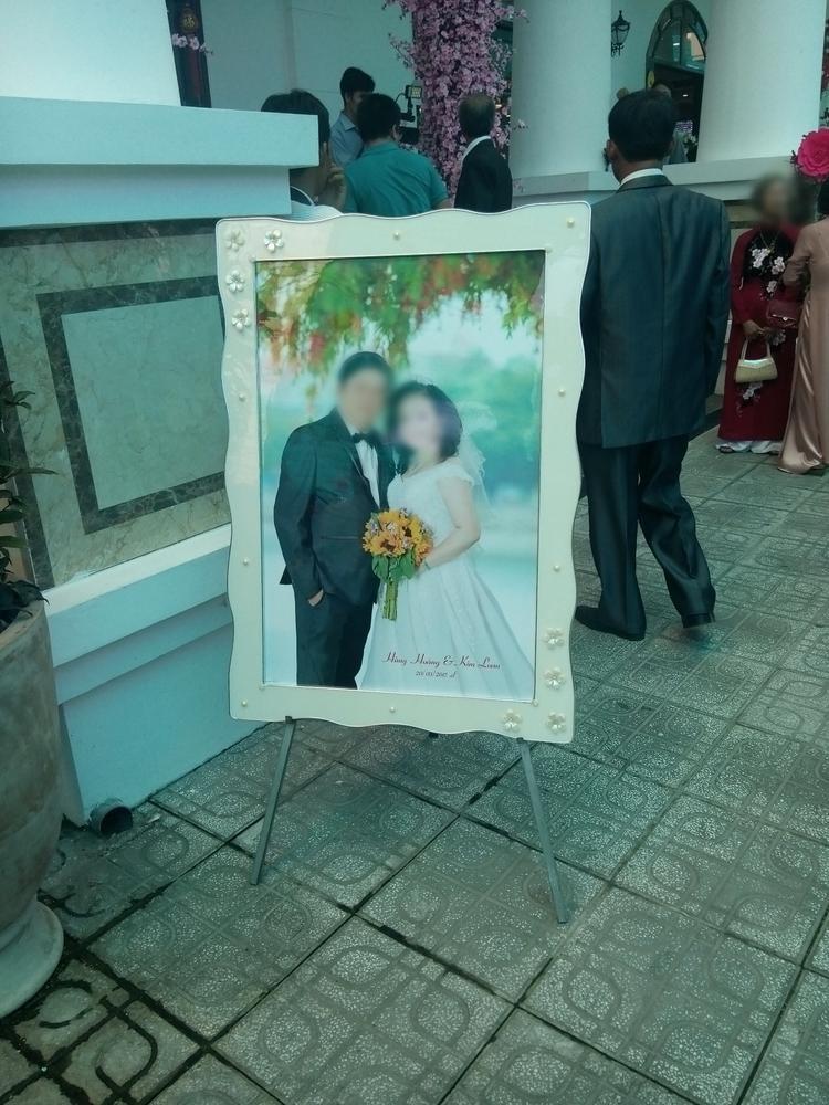 Ảnh cưới của ông H. và bà L.