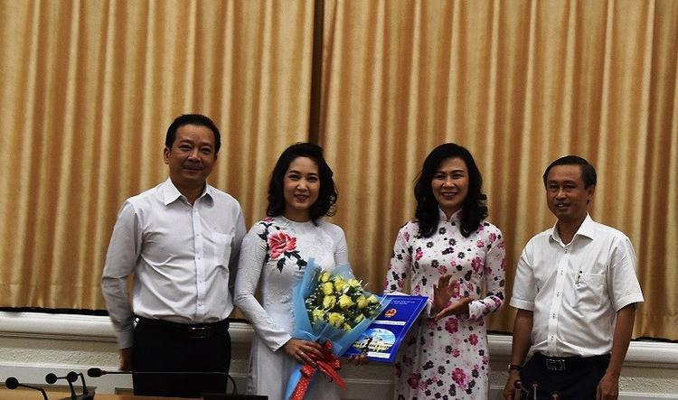 Ca sĩ Thanh Thuý nhận quyết định bổ nhiệm vào ngày 27/11.