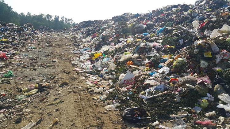 Bãi rác Đông Sơn.