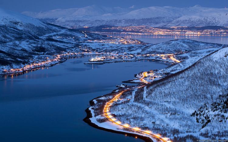 Khi ánh đèn tràn về, cả một vùng Plovdiv (Bulgari) chìm trong không khí ấm áp, nào còn cái lạnh buốt da của mùa đông.