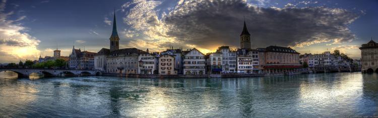 Chạng vạng ở Zürich mang vẻ đẹp đặc trưng nơi trời Tây.