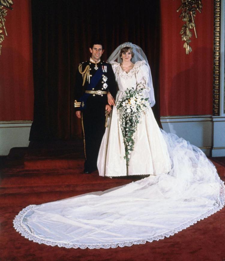 Thái tử Charles kết hôn cùng cố công nương Diana năm 1977.