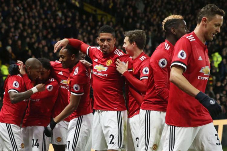 """Man United đang bị Man City bỏ xa 5 điểm trên BXH Premier League nhưng """"Quỷ đỏ"""" đá nhiều hơn 1 trận."""