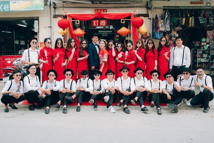 """Dàn phù dâu và phù rể """"cực chất"""" trong trang phục Thượng Hải thời xưa."""