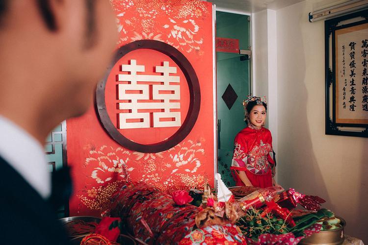 Dàn bê tráp theo phong cách bến Thượng Hải của cô dâu người Việt gốc Hoa gây sốt mạng xã hội