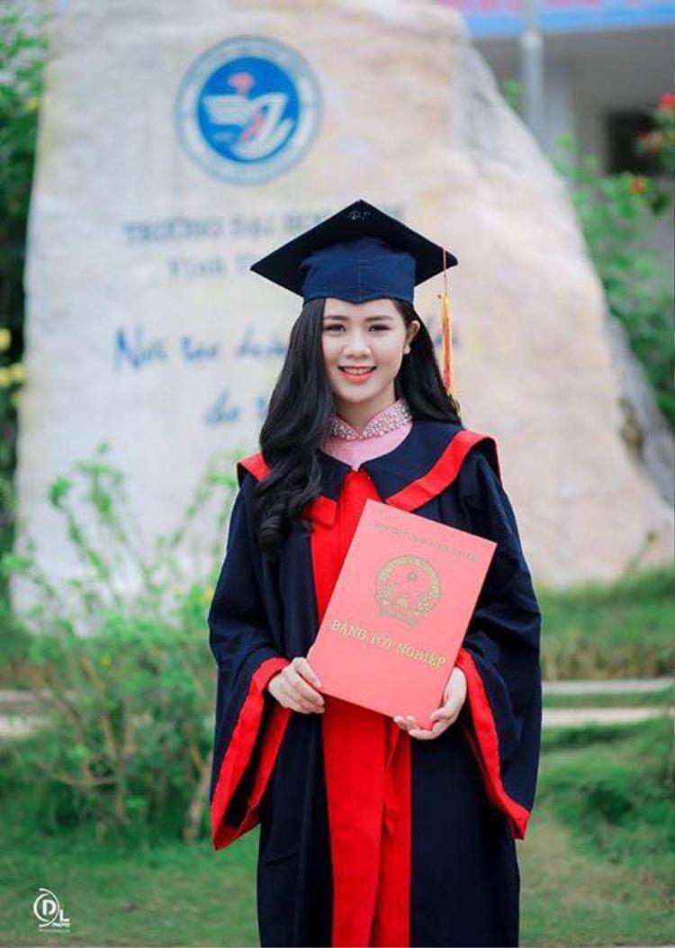 Vợ của Quế Ngọc Hải là hoa khôi trường Đại học Vinh. Ảnh: FBNV