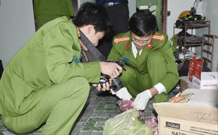 Công an Thanh Hóa khám nghiệm điều tra vụ án.