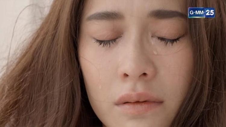 Nữ hoàng thị phi Thái Lan  Ploy Chermarn quay trở lại màn ảnh nhỏ để yêu lần cuối