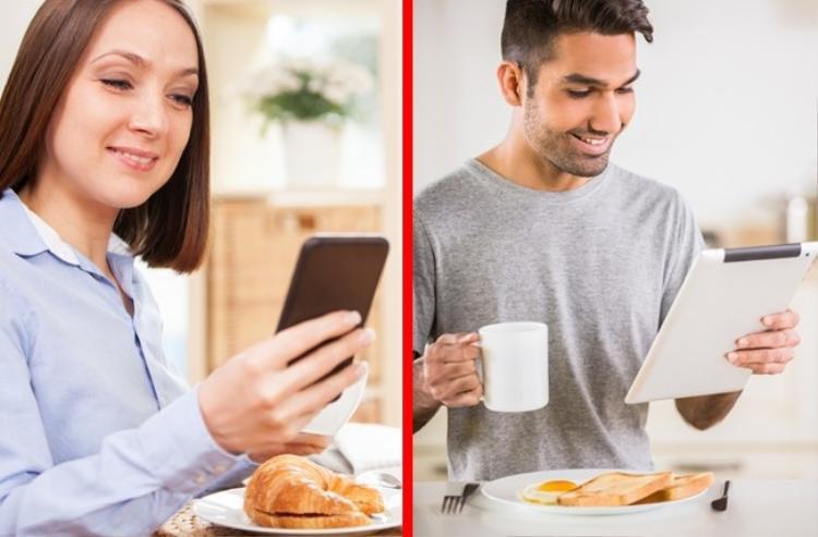 Nếu cả hai bạn đều là những con người bận rộn, thì hãy tranh thủ những khoảng thời gian rảnh rỗi hiếm hoi để trò chuyện với nhau. Đôi khi, những giây phút ngắn ngủi đó là cách giúp hai bạn chia sẻ cuộc sống hàng ngày của nhau.
