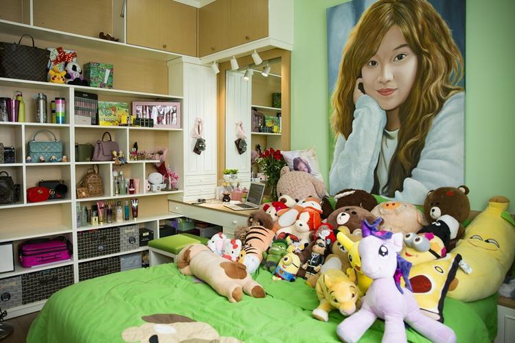 Phòng ngủ của Hoàng Yến là nơi để cô lưu giữ những món quà từ fan.