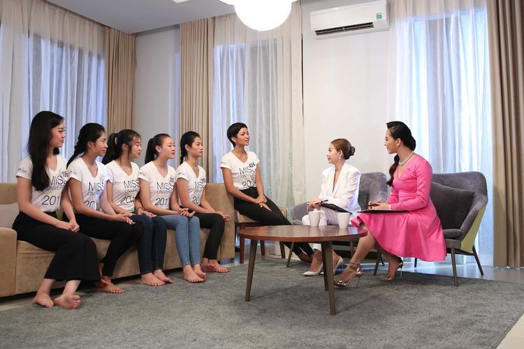 HHen Niê khó chịu ra mặt với đồng đội ở Tôi là HHHV Việt Nam 2017