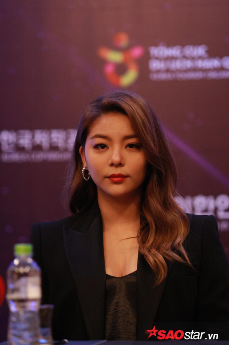 Ailee xuất hiện cực xinh đẹp tại họp báo.