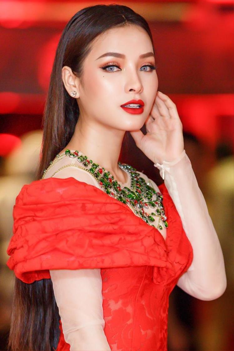 Mãn nhãn với một tuần toàn những gương mặt trang điểm đẹp của sao Việt