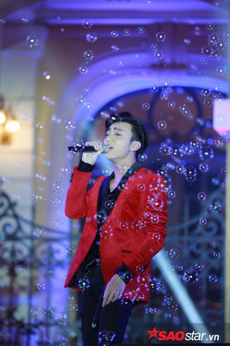 Ailee hát live hay như 'nuốt đĩa', cùng Soobin Hoàng Sơn khiến fan Hà Nội 'phát cuồng'
