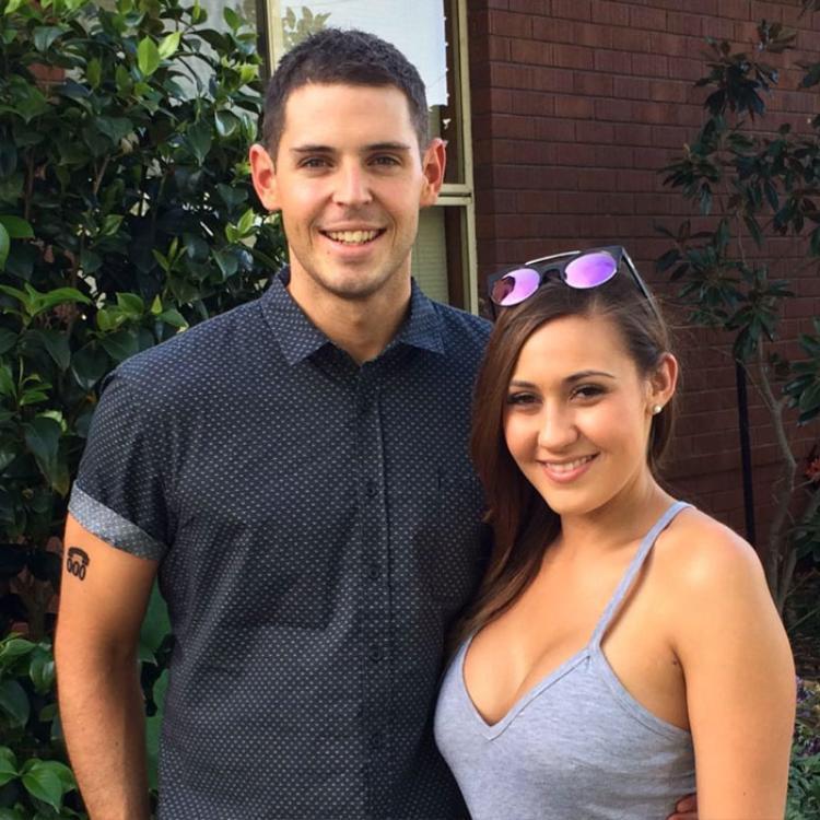 Sam và bạn gái Daniella Schot