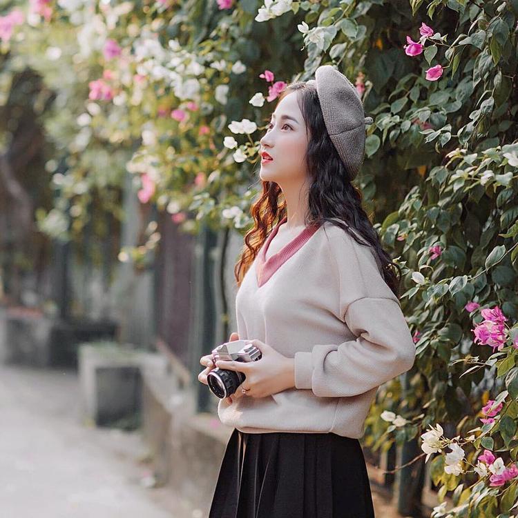 Nữ sinh Hải Phòng sở hữu vẻ đẹp siêu nữ tính, có nét hao hao hot girl Hà Lade