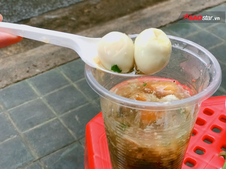 Ăn xế với hàng  súp cua  chân gà hấp nổi tiếng nhất khu Phú Nhuận