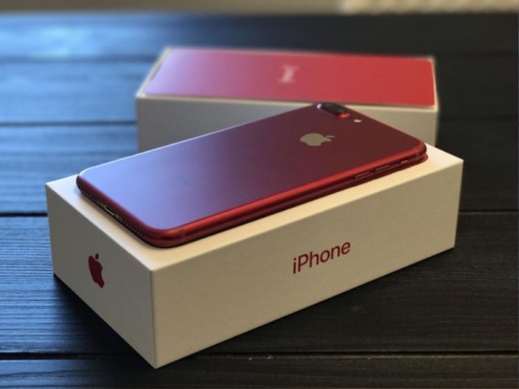 Phần lớn những chiếc iPhone cũ không về Việt Nam trực tiếp từ quốc gia, thị trường gốc mà được trung chuyển qua Trung Quốc.