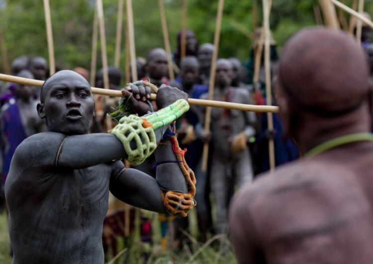 Trận đánh nhau của bộ lạc Donga.