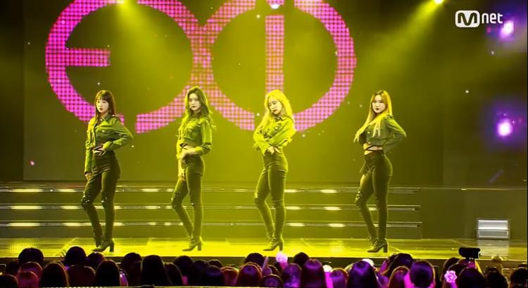 EXID biểu diễn trên sân khấu M Countdown chiều qua.