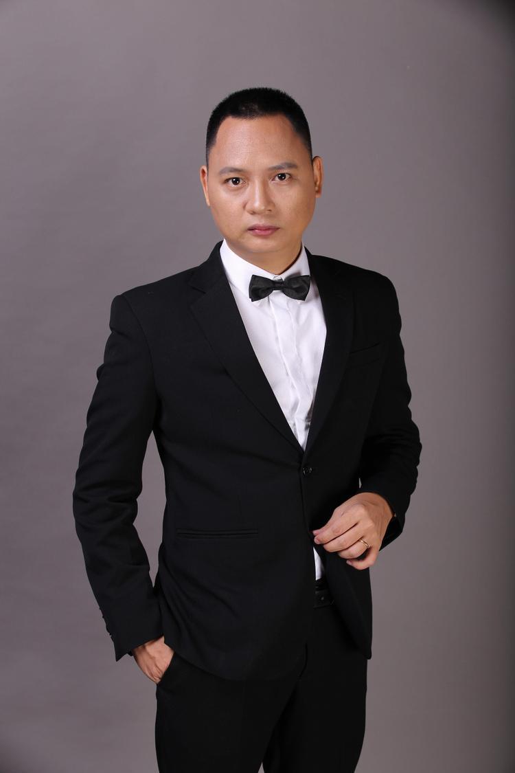 """Đây là album đánh dấu sự hội ngộ của cả team Nguyễn Hải Phong sau thời gian dài """"thai nghén""""."""