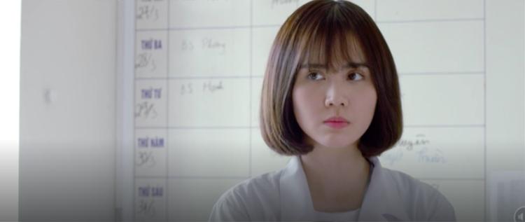 """Một cái tên khác được khán giả đặt kì vọng là Huyền Lizzie. Nữ diễn viên không chỉ có vẻ ngoài phù hợp với Kang Mo Yeon phiên bản Việt Nam, mà còn từng thể hiện vai diễn vị bác sĩ trẻ tràn đầy nhiệt huyết, mạnh mẽ trong bộ phim truyền hình """"Ngược chiều nước mắt""""."""