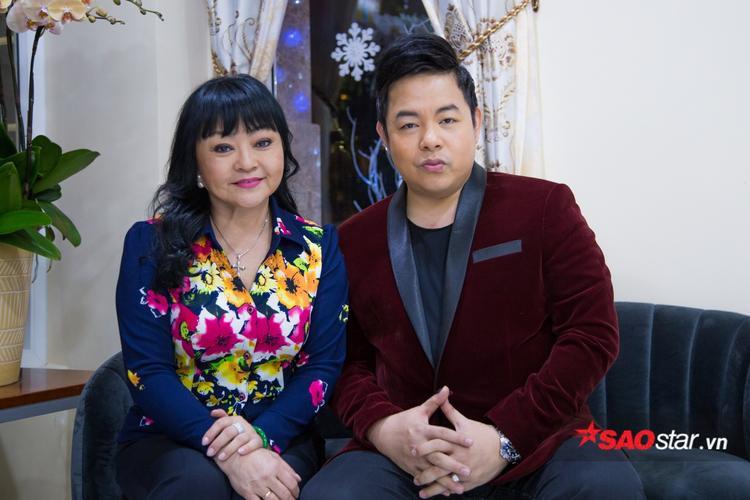 Quang Lê được Hương Lan dạy hát từ những ngày đầu chính thức bước lên sân khấu.