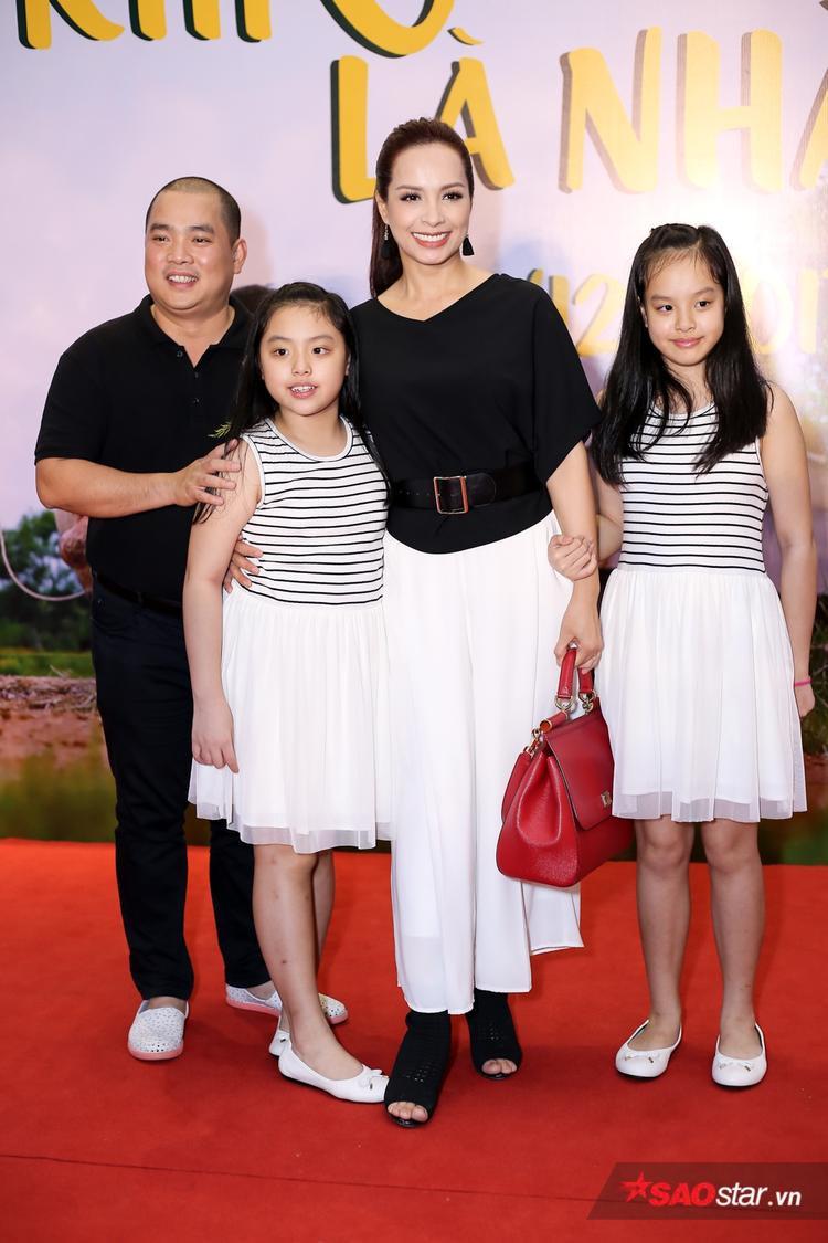 Gia đình siêu mẫu Thúy Hạnh - nhạc sĩ Minh Khang.