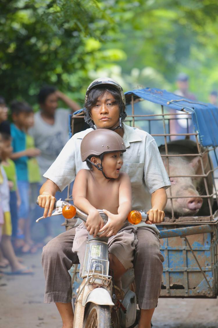 Lương Mạnh Hải trong vai Quang.