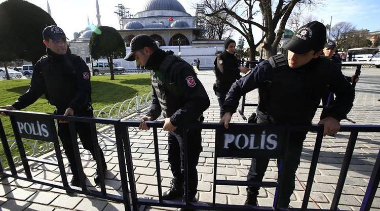 Khoảng 37.000 cảnh sát sẽ được huy động để bảo vệ khắp thành phốIstanbul, Thổ Nhĩ Kỳ.