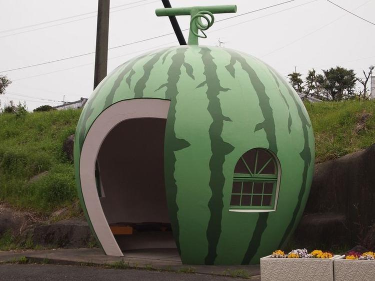 """Hội chợ Du lịch ở Konagai có tên gọi """"Hành trình Nagasaki"""". Sự xuất hiện của 16 trạm dừng xe buýt hoa quả nhằm mục đích quảng bá du lịch của xứ sở hoa anh đào."""