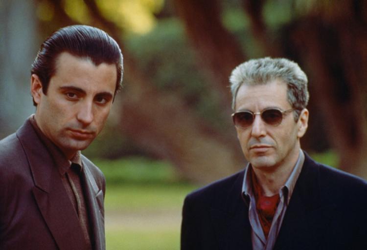 Trong lịch sử Quả cầu vàng, ba bộ phim mở màn rực rỡ với 7 đề cử nhưng lại chịu cảnh trắng tay lúc ra về chính là: The Godfather phần III, Foul Play và Who's Afraid of Virginia Woolf?