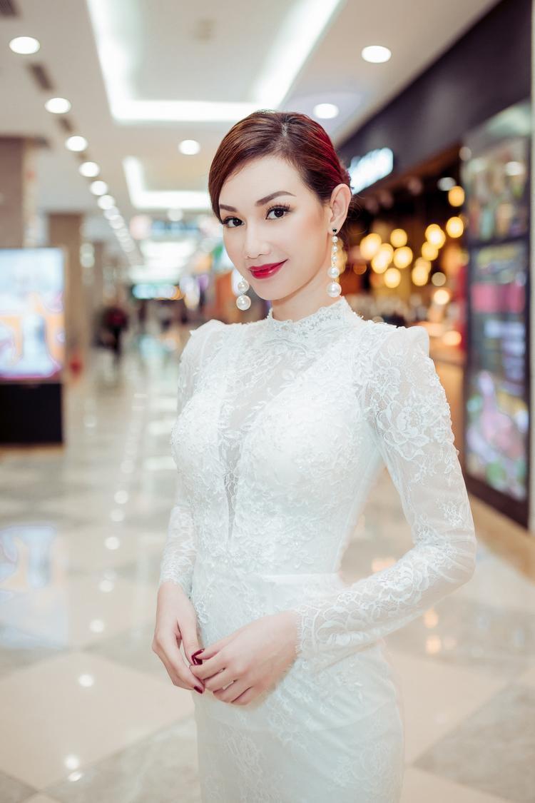Nữ chính Quỳnh Chi.