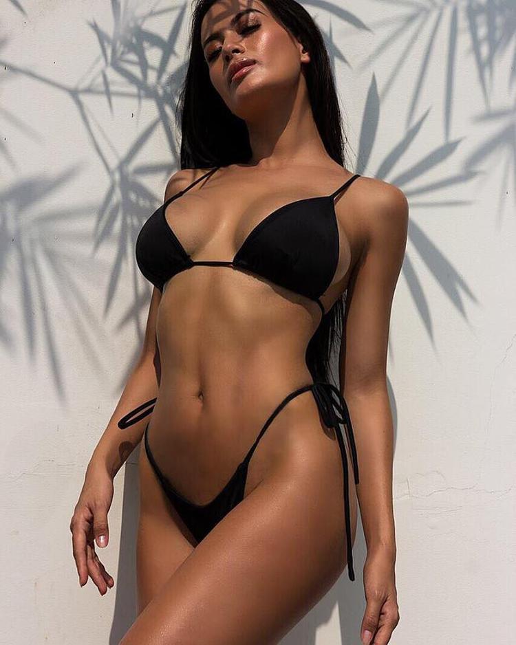 """Người đẹp không ngại khoe thân hình không chỉ sở hữu số đo chuẩn mà còn siêu """"hot"""" của mình trên trang cá nhân."""