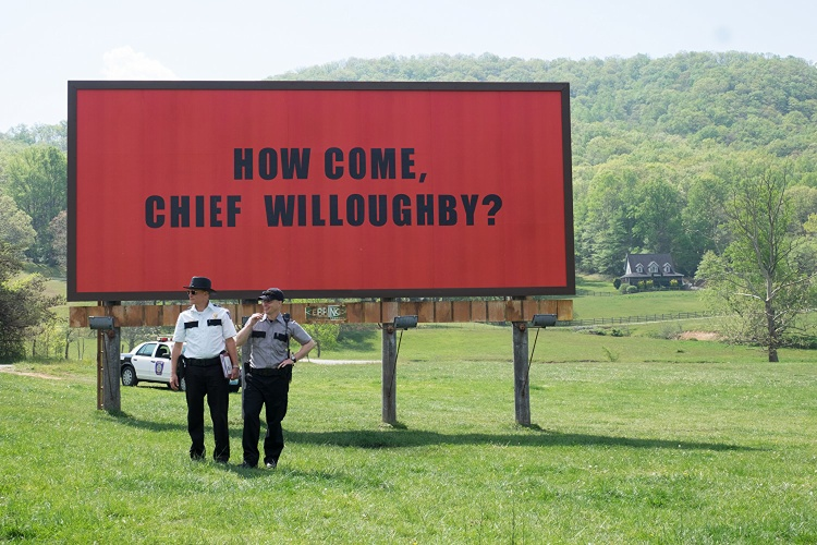 """""""Sao rồi? Cảnh sát trưởng Willoughby""""."""
