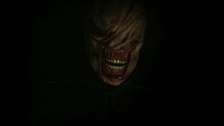 Ác quỷ xác ướp với miệng bị kéo đến mang tai?