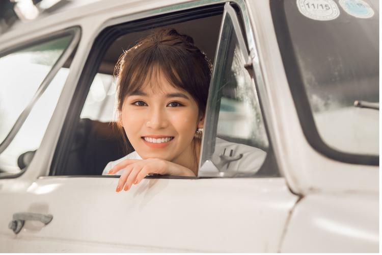 Vì nội dung MV ca khúc cầnđến 4 diễn viên nam, Vân Shiđã quyếtđịnh mời 2 ca sĩ mà mình mến mộ là Ngô Kiến Huy và Chi Dân.