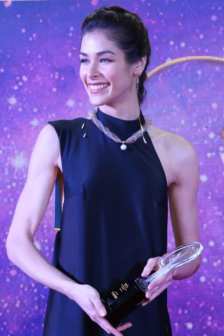 Hoa hậu Hoàn vũ 2008 tiết lộ yêu mến HHen Niê vì tính cách chân thật