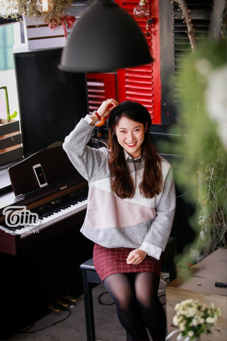 Đồng thời, Khánh Vy cũng tích cực hưởng ứng các hoạt động nghệ thuật khi liên tục tung ra những bản cover bài hát bằng tiếng Anh được dân mạng yêu thích.