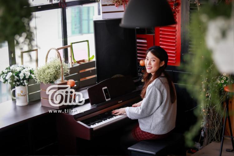 Cô nàng cũng là đại diện duy nhất của Việt Nam sang Nhật Bản giao lưu phỏng vấn đạo diễn hãng phim Hollywood.