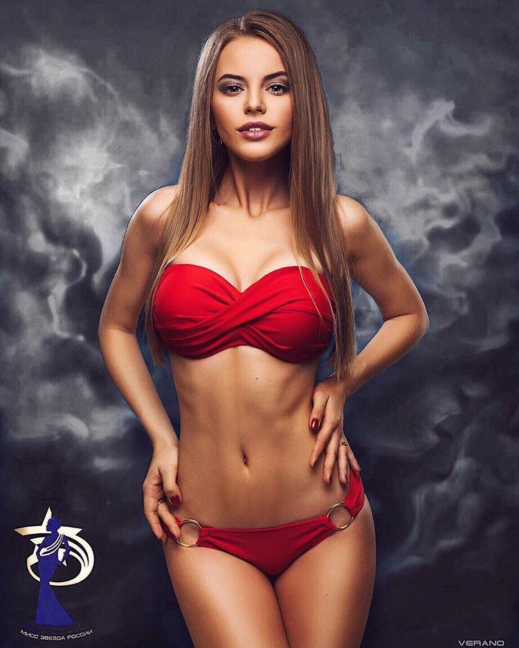 Hình thể chuẩn với số đo 87-59-90 cm. Cô hiện là ứng cử viên nặng ký được hy vọng sẽ mang về chiếc vương miện đầu tiên cho nước Nga xinh đẹp trong năm nay.