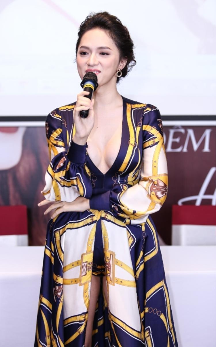 Nhưng người đẹp vẫn luôn giữ vững hình ảnh gợi cảm vốn có của mình và ngày càng hoàn thiện hơn để chiều lòng công chúng.