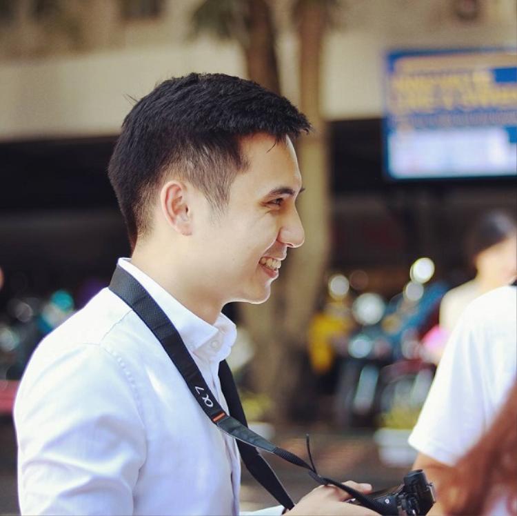Sở thích của thầy Nam là nhiếp ảnh.