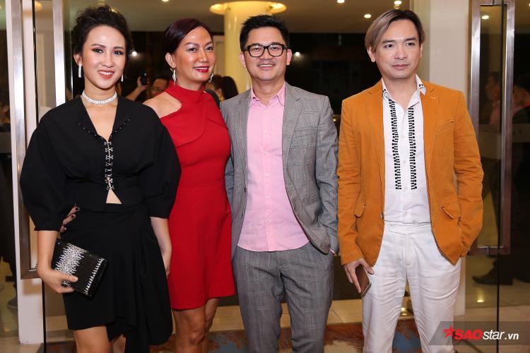 Việt Quang (vest vàng) - nữ diễn viên Kim Khánh (váy đỏ).