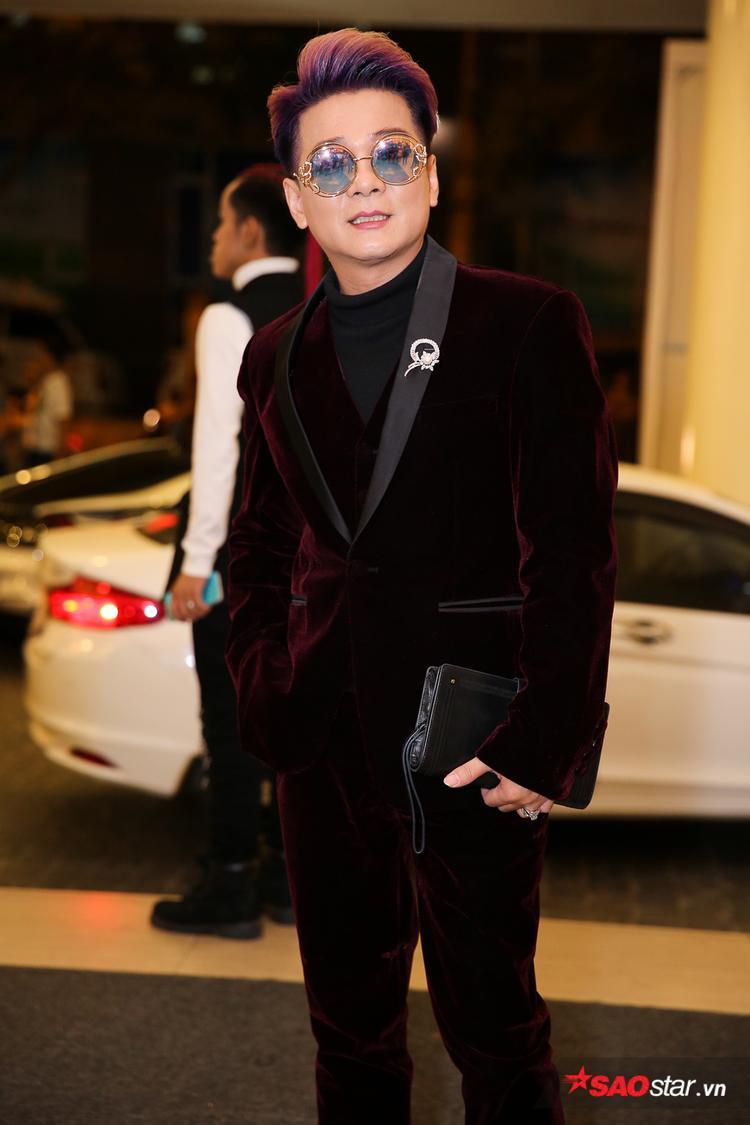 Ca sĩ Vũ Hà thu hút sự chú ý với màu tóc ấn tượng.